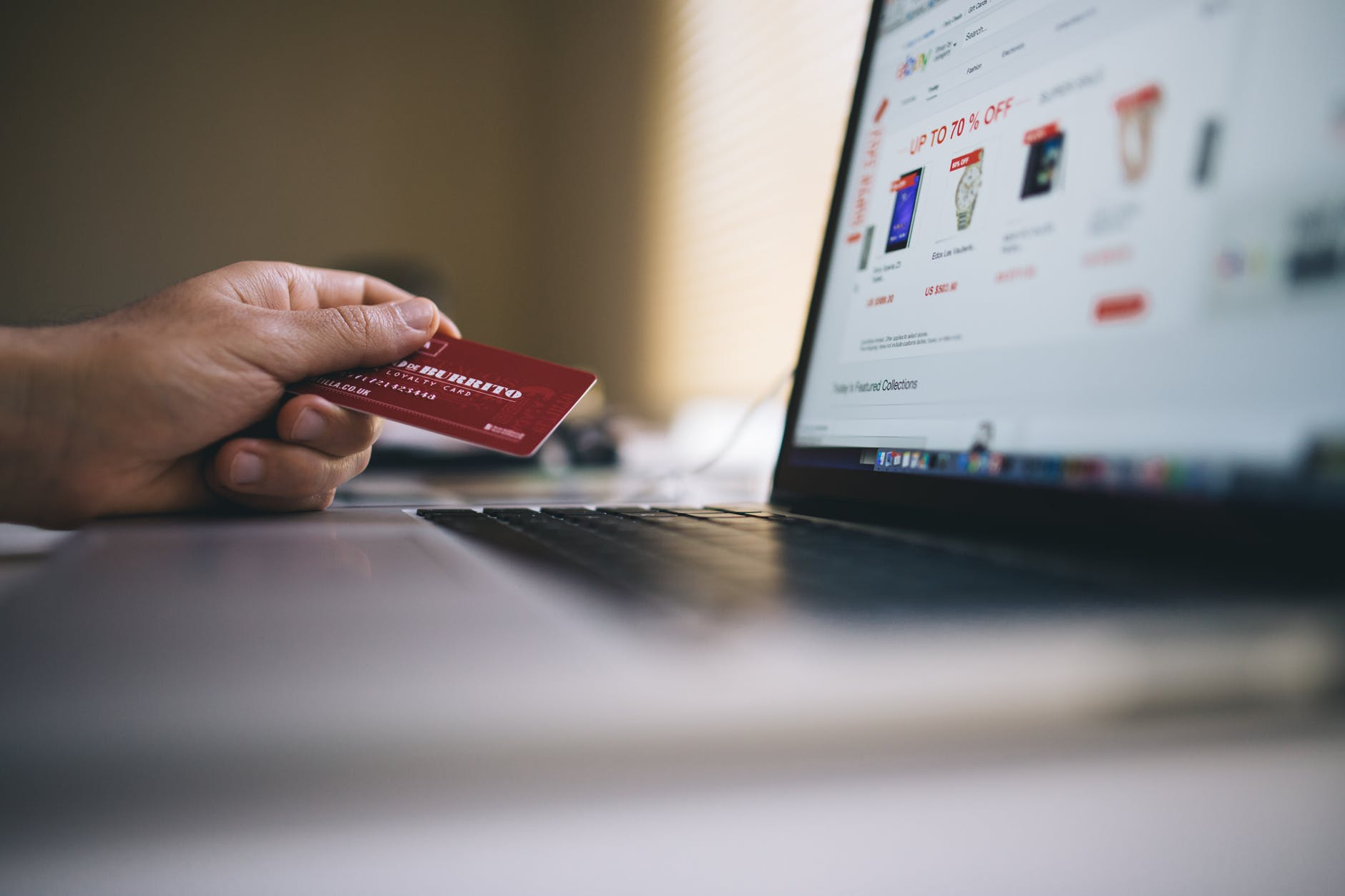 Dropshipping Business Opportunities and Online Shopping