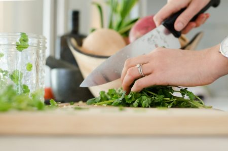 Wholesale Herbs: Seasoning Options Every Reseller Should Know About