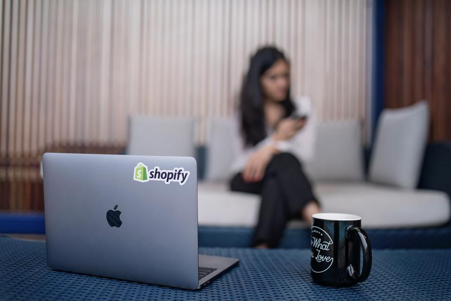 You can keep dropshipping costs down by using Shopify