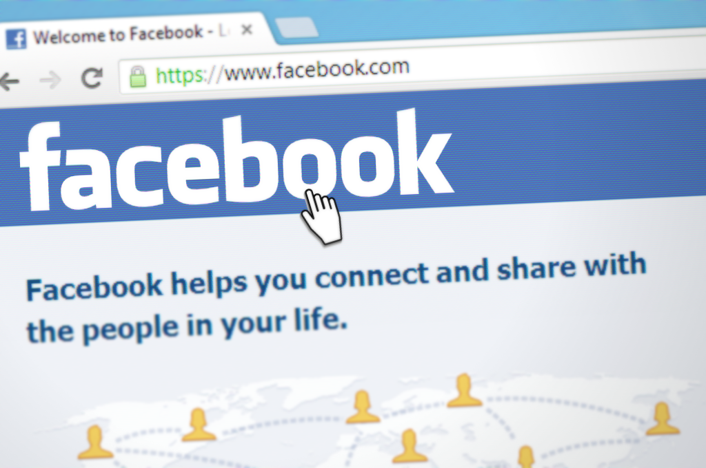 Use Facebook ads to create digital marketing campaigns