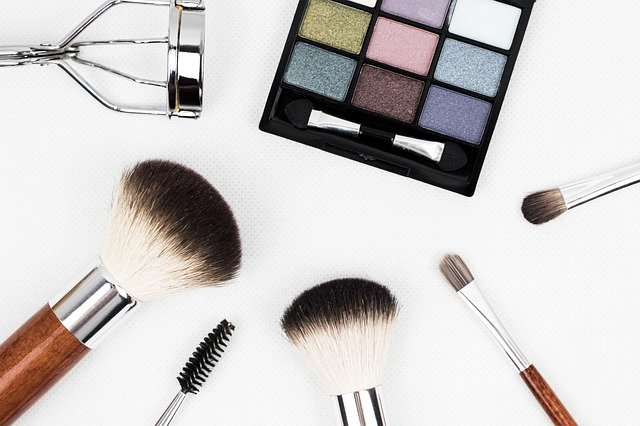 The right supplier will have an extensive selection of beauty products to dropship