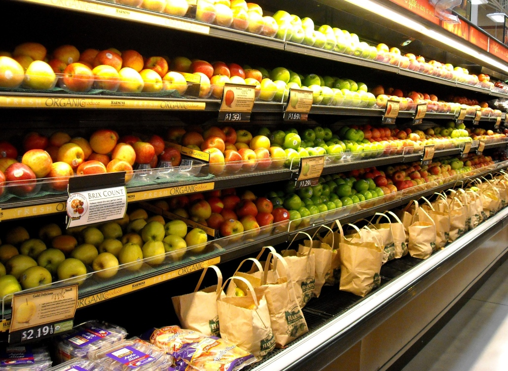 Online shoppers want fresh groceries, so choose a US-based grocery distributor.