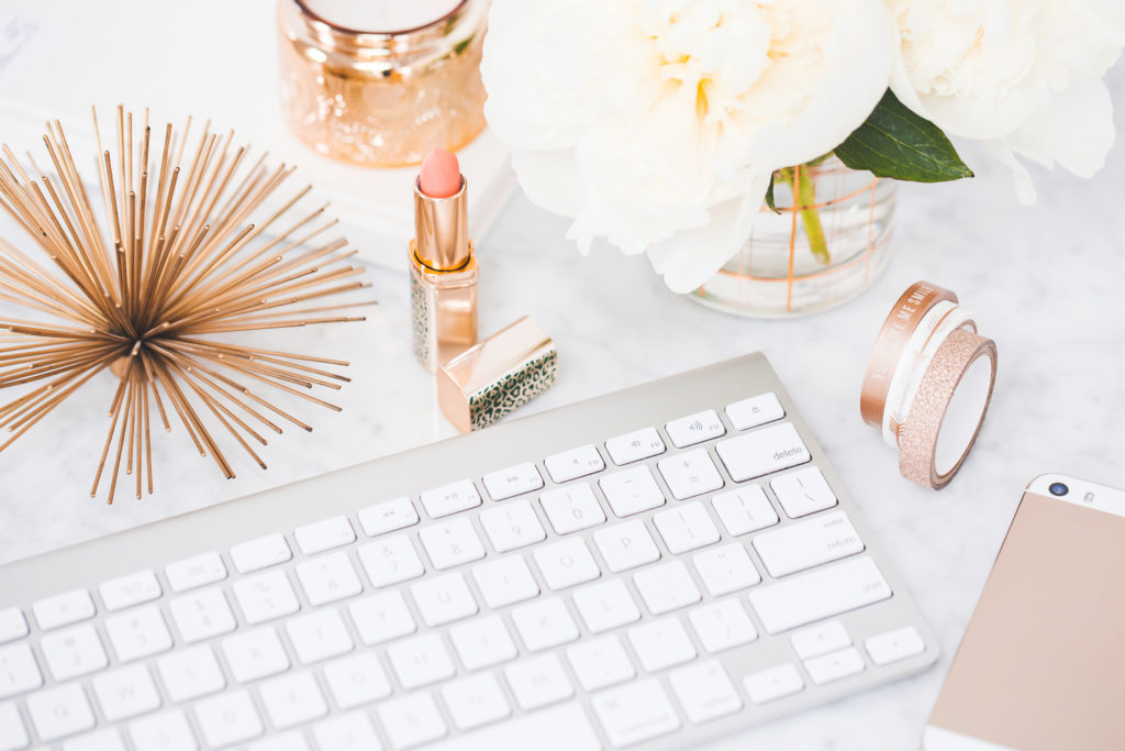 Start a beauty blog for your dropshipping store