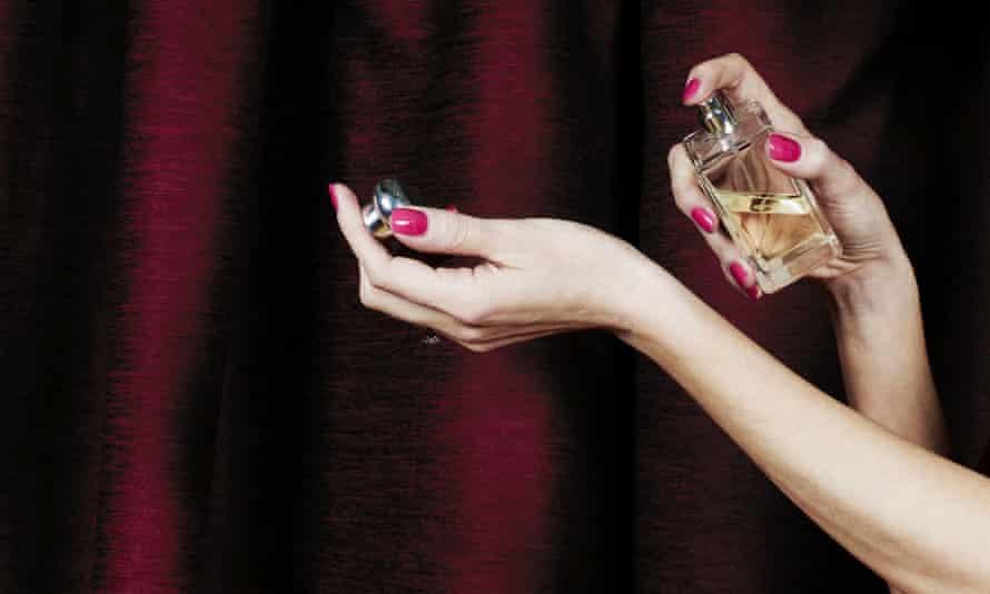 Fragrances & Perfumes Suppliers & Wholesalers